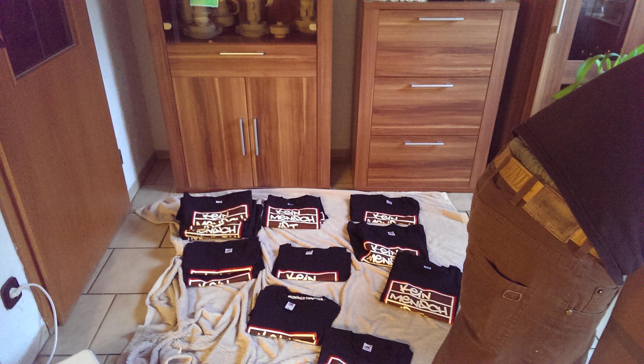 Shirts_schwarz